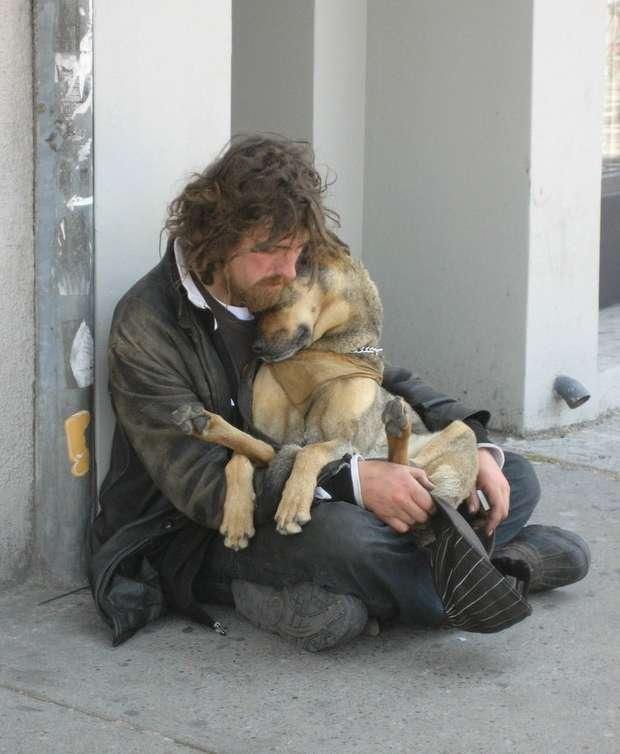 ...прижав слепого пса к глухому уху...