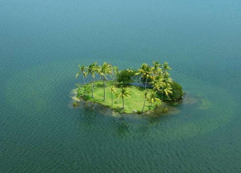 Безмятежный островок
