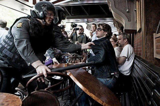 Задержания в московском кафе