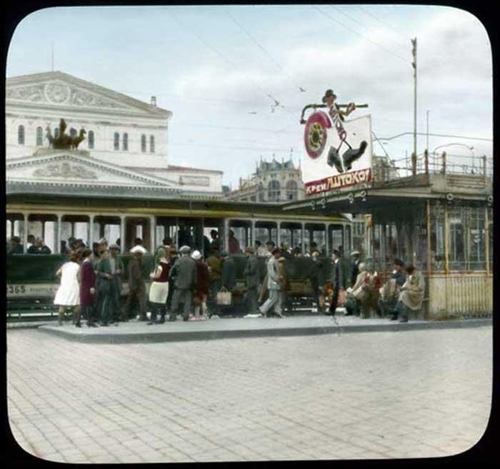 Трамвай у Большого