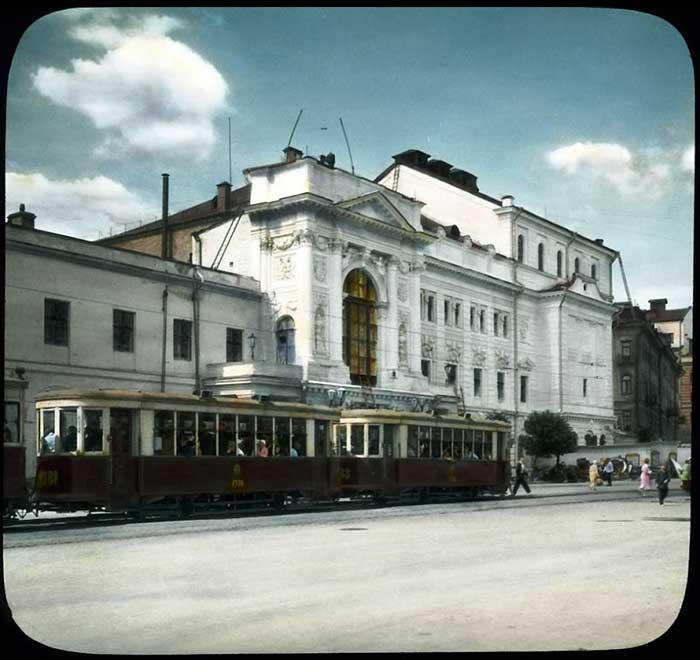 Трамвай у Детского театра