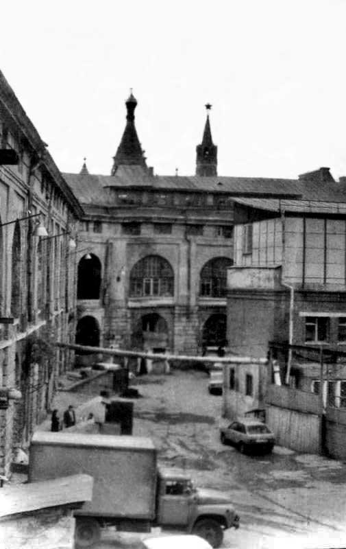 Старый Гостиный двор, внутренее пространство, вид на Кремль