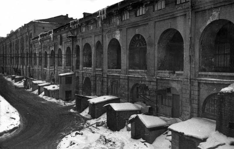 Старый Гостиный двор, тамбуры Мануфактурных лабазов