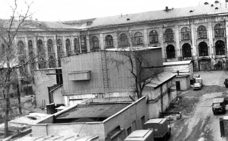 Старый Гостиный двор. хозяйственные постройки во внутреннем дворе