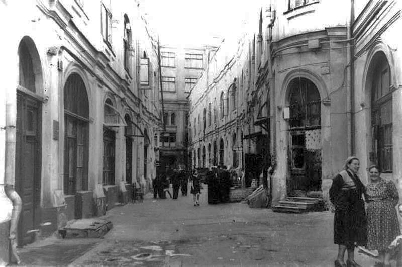 Старый Гостиный двор, Теплые ряды 60г.