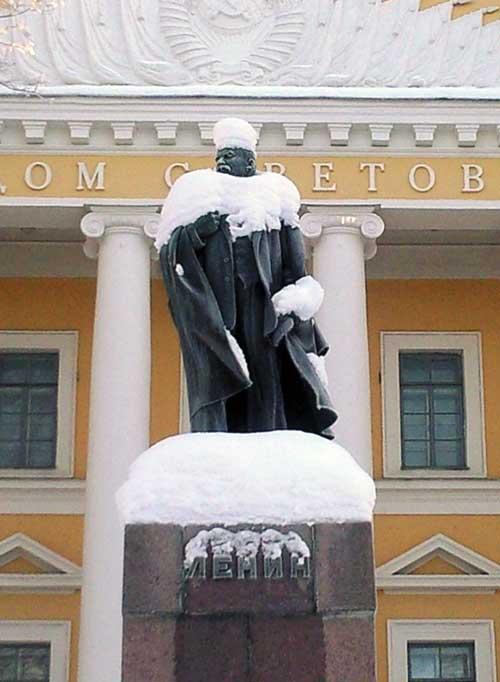 Ленин - снеговик