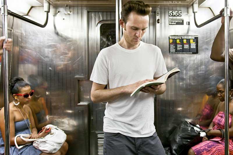 http://pepsimist.ru/wp-content/uploads/2015/06/n-y-s-l/NY_subway_lib_002.jpg