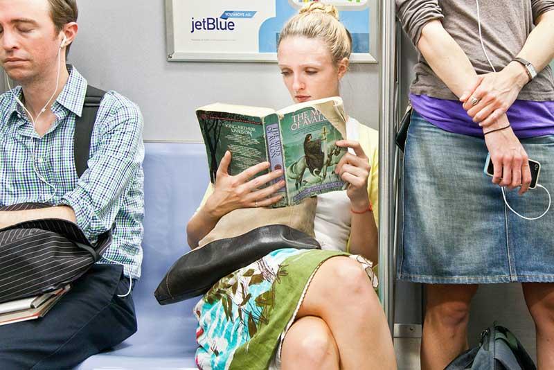 http://pepsimist.ru/wp-content/uploads/2015/06/n-y-s-l/NY_subway_lib_005.jpg