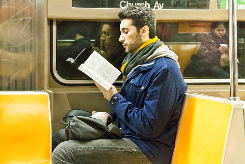 http://pepsimist.ru/wp-content/uploads/2015/06/n-y-s-l/NY_subway_lib_018.jpg