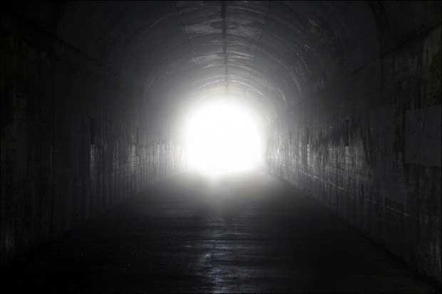 Светящийся тоннель или черная дыра