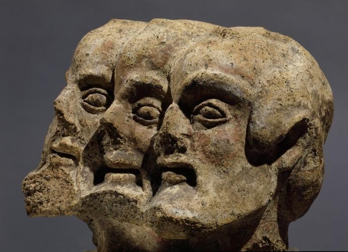 Трехголовый демон. Фрагмент этрусского барельефа, Италия, 5 век до н.э.