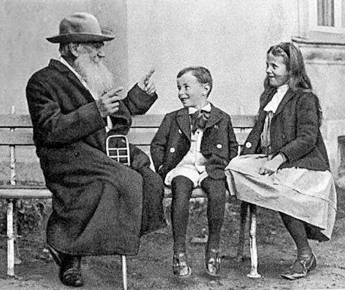 Лев Толстой и дети