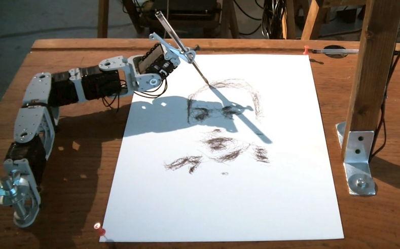 Рисует робот