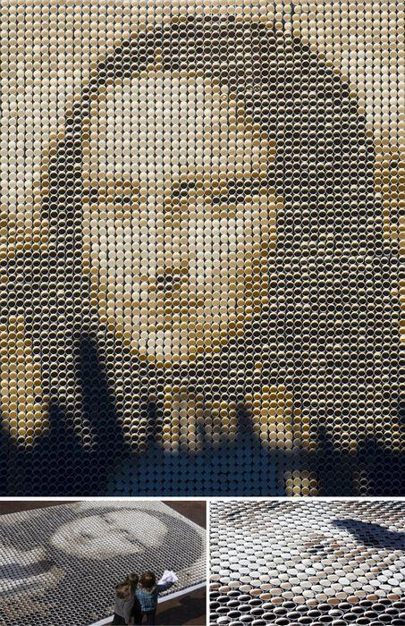 Мона Лиза из стаканчиков с кофе