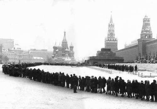 Очередь, как советское сакральное явление