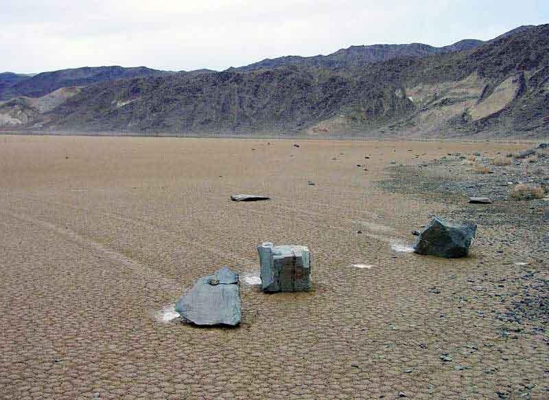 Moving stones. Живые камни, перемещающиеся камни