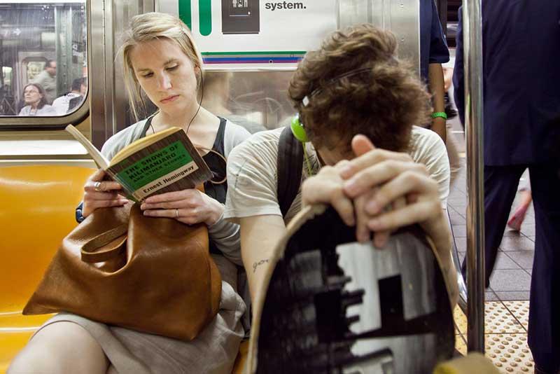 http://pepsimist.ru/wp-content/uploads/2015/06/n-y-s-l/NY_subway_lib_007.jpg