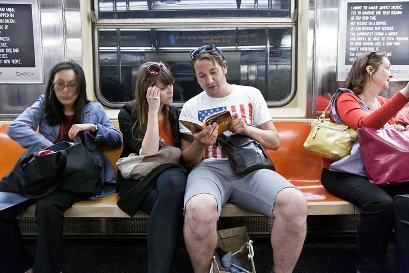 http://pepsimist.ru/wp-content/uploads/2015/06/n-y-s-l/NY_subway_lib_013.jpg