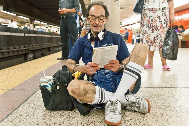 http://pepsimist.ru/wp-content/uploads/2015/06/n-y-s-l/NY_subway_lib_017.jpg