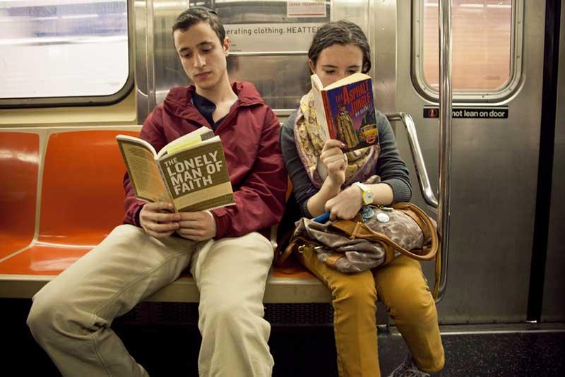 http://pepsimist.ru/wp-content/uploads/2015/06/n-y-s-l/NY_subway_lib_020.jpg