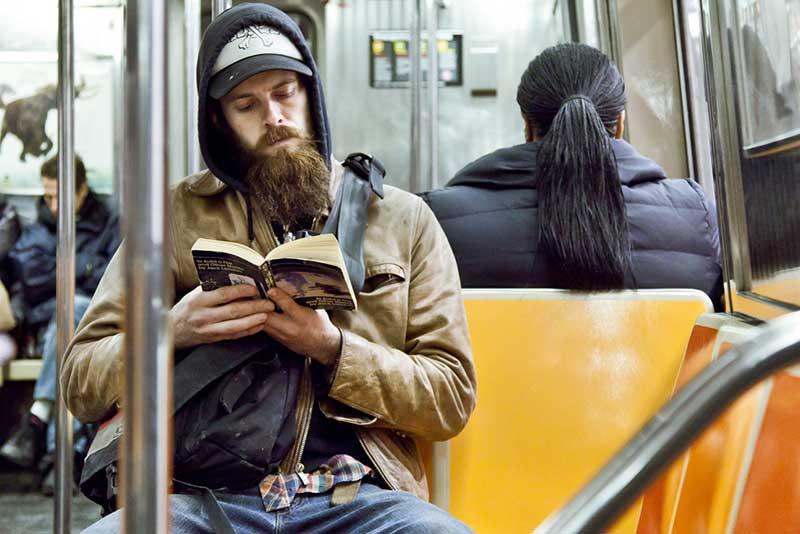 http://pepsimist.ru/wp-content/uploads/2015/06/n-y-s-l/NY_subway_lib_027.jpg
